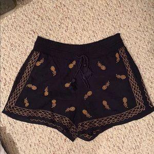 Jcrew linen shorts gold pineapples size small
